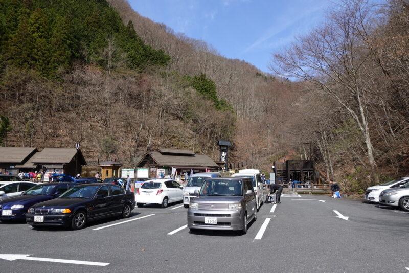 都民の森の駐車場