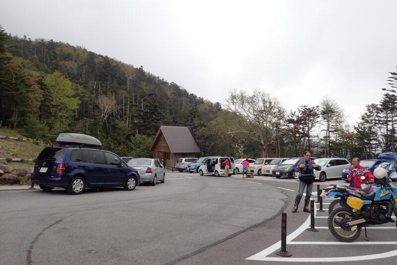 大弛峠の駐車場