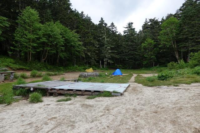 南御室小屋のテント場①