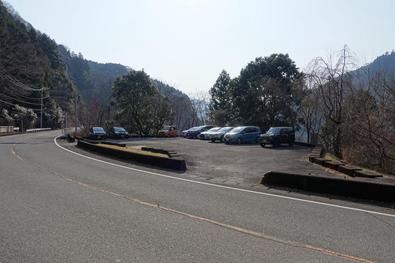 丹沢・ミツバ岳・駐車場