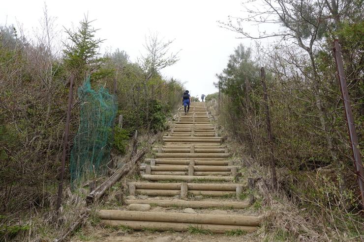 丹沢・堀山の家~花立山荘(300階段)