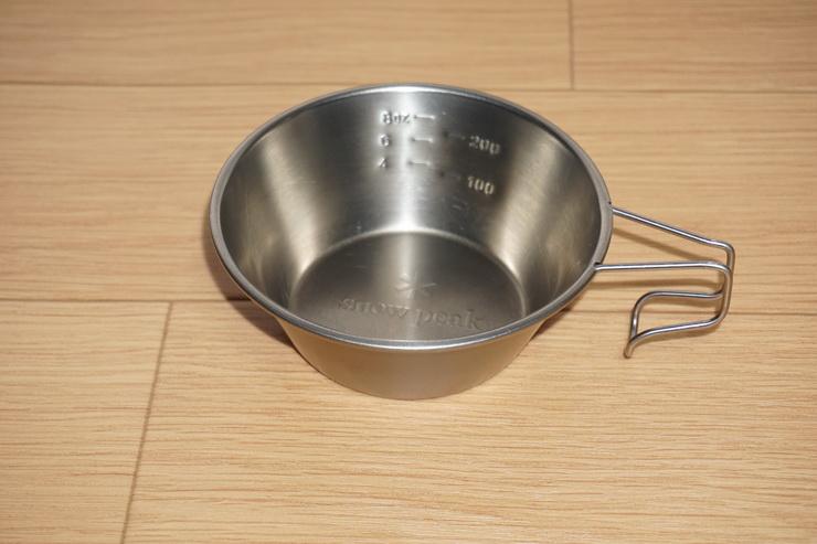 スノーピーク製のチタンシェラカップ