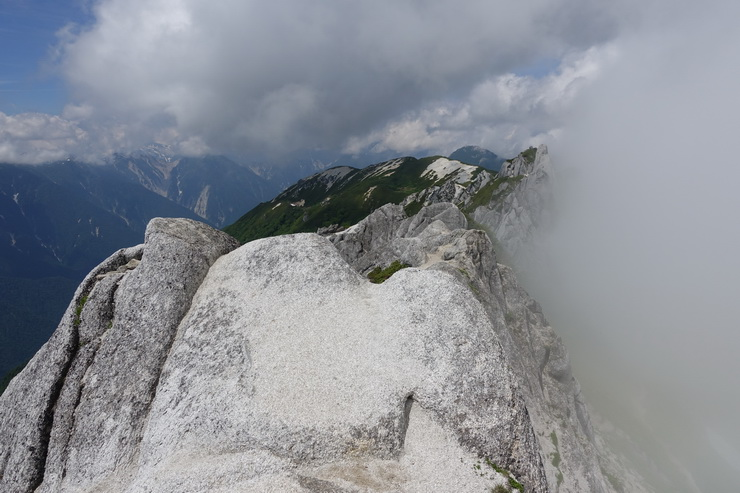 北燕岳の山頂