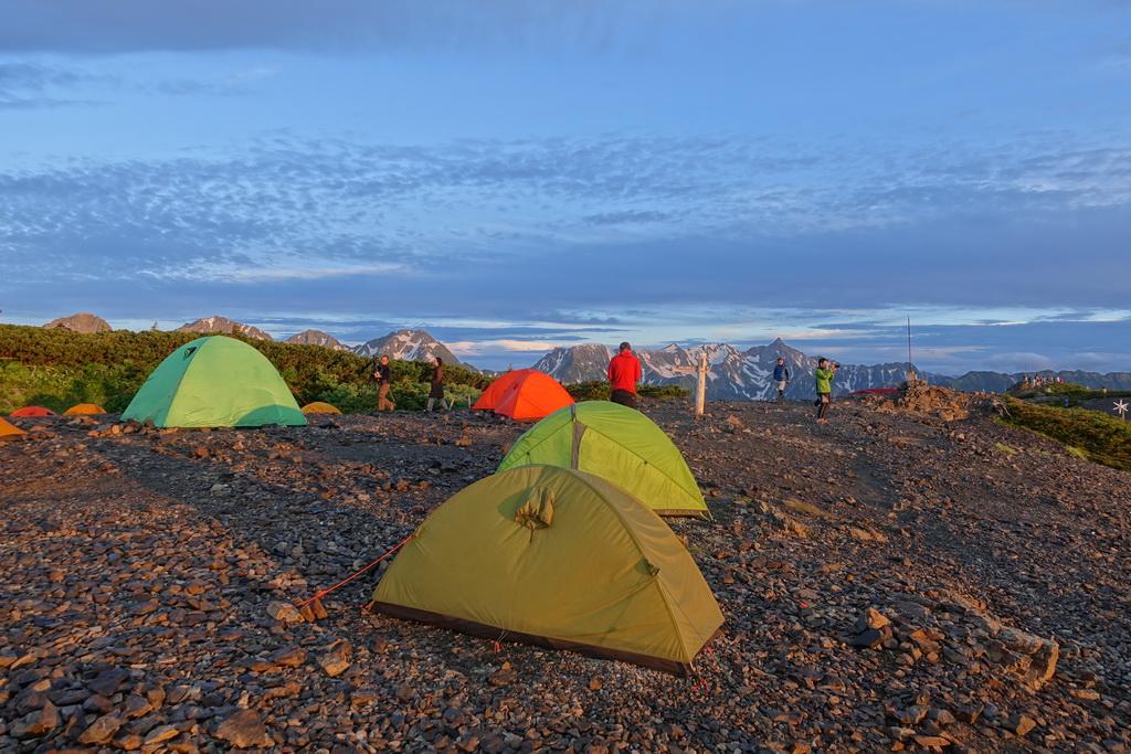 蝶ケ岳のテント場の朝