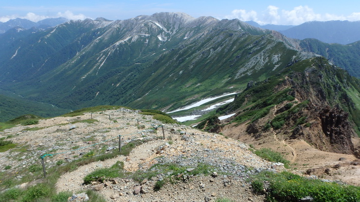 水晶小屋付近から見た裏銀座の山々