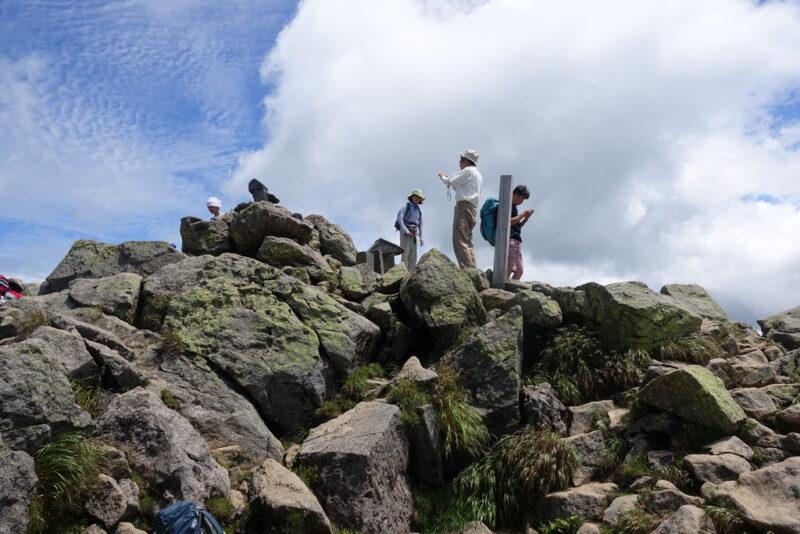 俎嵓の山頂