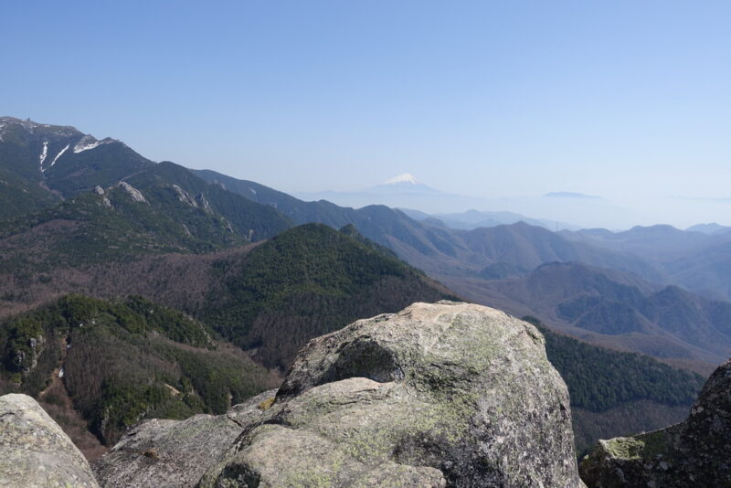 瑞牆山~山頂からの展望(南側)