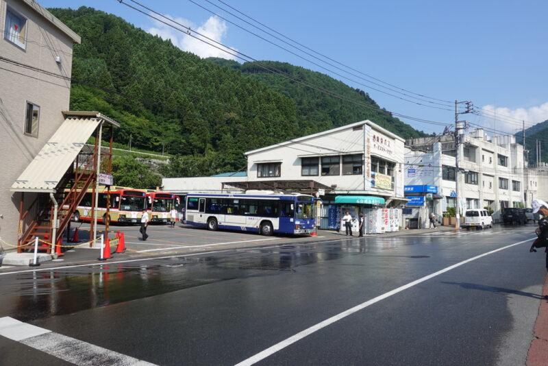 奥多摩駅~鴨沢・丹波行きバス停
