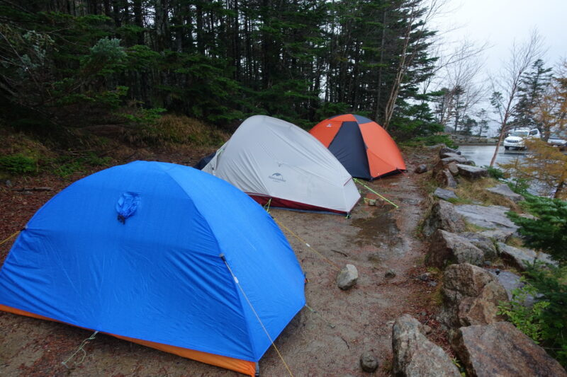大弛小屋のテント場