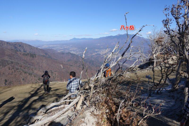 日向山・山頂からの風景(八ヶ岳)