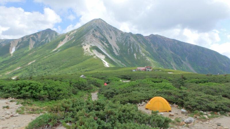北アルプス・鷲羽岳と三俣山荘のテント場