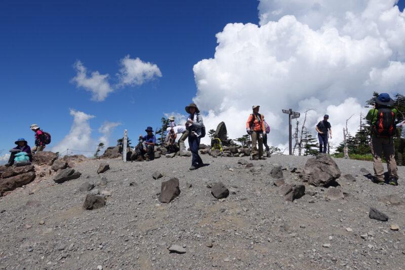 北横岳北峰の山頂