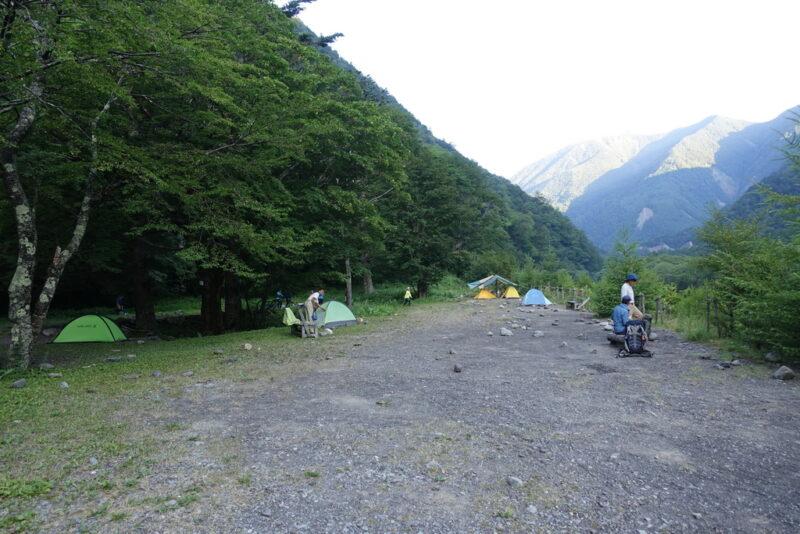 広河原山荘のテント場
